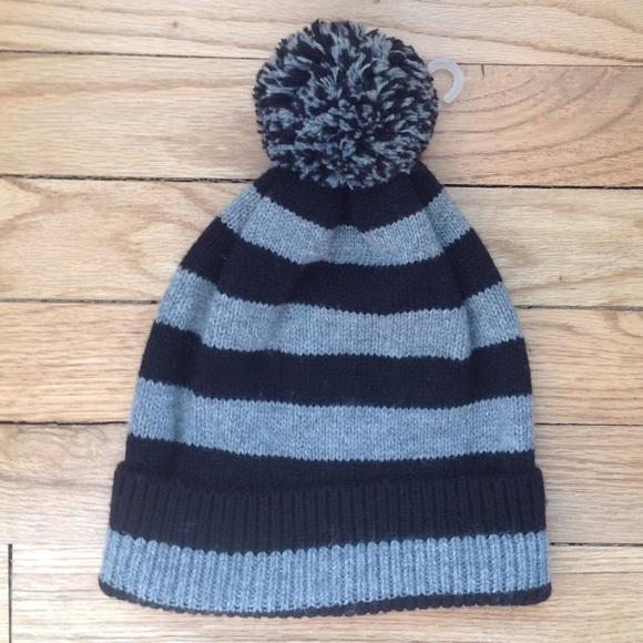 GAP Mens Wool Black Gray Striped Beanie Hat Cap OS 1a5cbdfecb9